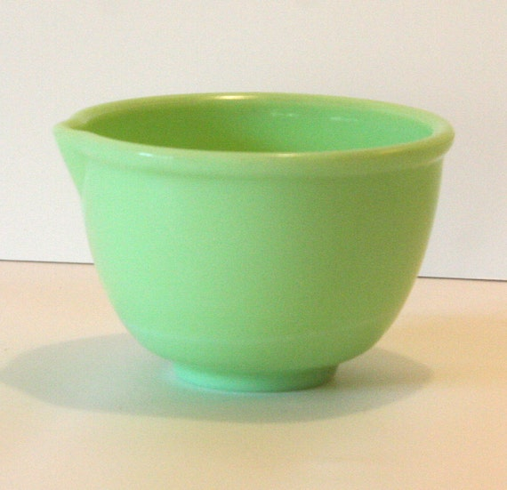 Vintage Jadeite Green Mixing Batter Bowl with pour spout McKee Small Sunbeam Mixer
