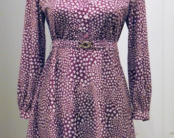 "Vintage Clothing 60, ""Leaves on Mauve"""