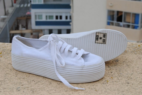 vintage 80 new white canvas platform with laces tennis sports