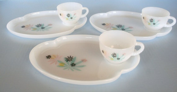 Federal Glass Patio Party Snack Set Retro Atomic Floral Design
