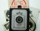 SALE: Imperial Six Twenty Snapshot brownie box camera