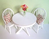 1.12th scale dollshouse miniature table and 2 chairs