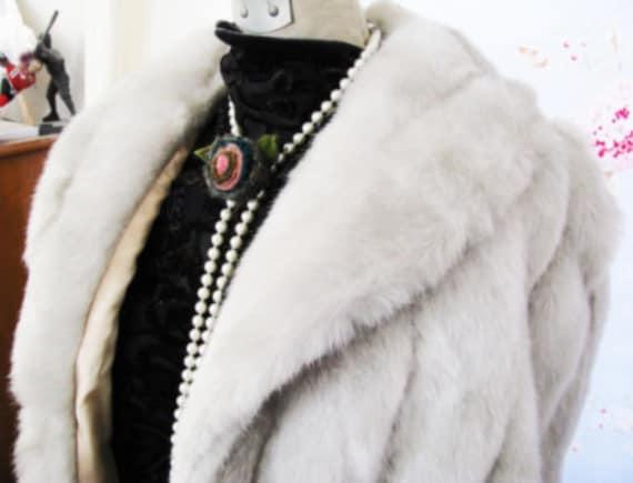 Vintage Silver Fox & Platinum Fur Faux Stole Cape Coat Shawl 60's MOVIEstar GLAMOUR Grace Kelly //Treasury Lists // VERY Soft w.Pockets