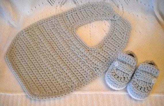 Newborn Baby Boy Bib and Booties Set Baby Shower Gift Size 0-3 mos