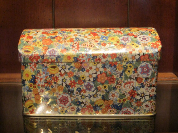 Daher Vintage 1960s Floral Tin Box with Hinged Curved Lid
