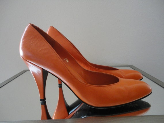 Reserved for Lidia Vintage Crayon Orange 80's  heels