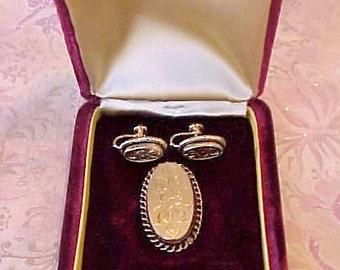 Sale: Lovely Vintage 12K Gold Filled Brooch and Earring Set With Floral Motif