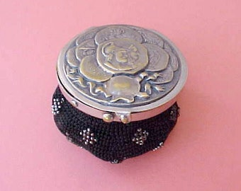 Beautiful Victorian Steel Beaded Coin Purse with Roman Chariot Design