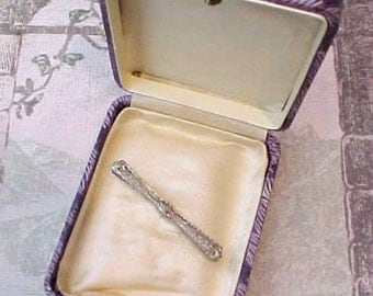 Lovely Edwardian Era 10K White Gold Filigree Bar Pin