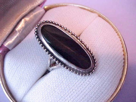 Lovely Vintage Sterling Silver Ring with Onyx