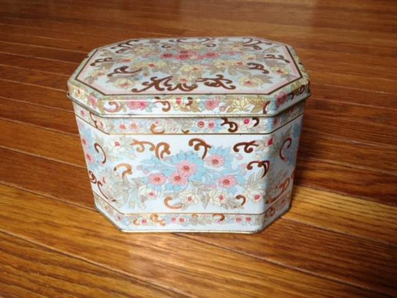 Vintage Floral Box Tin