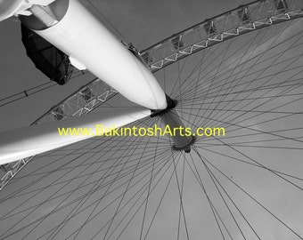 London Eye -  5x7 black and white photograph matted to 8x10