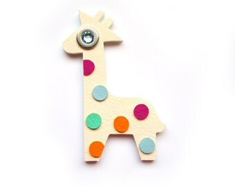 GIRAFFE BROOCH with colored DOTS