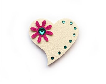 LITTLE HEART BROOCH in white  - special valentine price