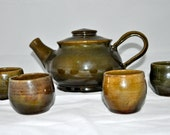 Handmade Teapot with 4 cups