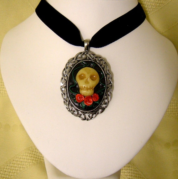 Skull Pendant celtic Cameo necklace black  Velvet Choker Day of the Dead  Halloween  memento mori Gothic horror macabre steampunk jewelry