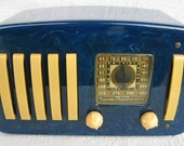 Emerson Catalin Bakelite Tube Radio 5 & 1 EP-375 BLUE / off white trim 1930's