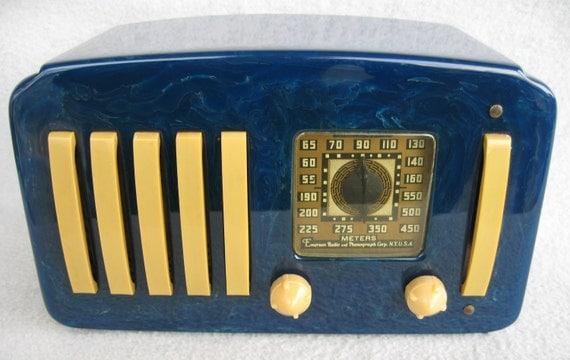 Emerson Catalin Bakelite Tube Radio 5 & 1 EP-375 BLUE / off white trim 1930's