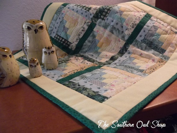 Yellow and green log cabin block small quilt