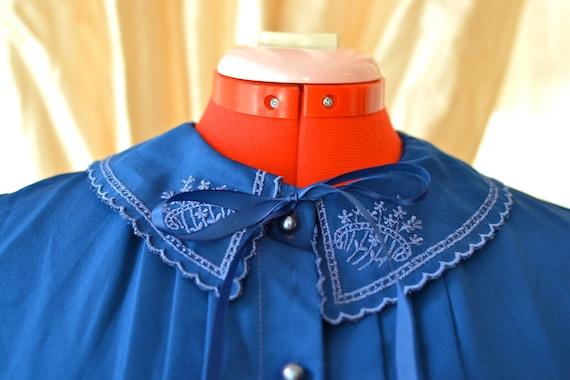 Vintage Navy Blue Floral Peter Pan Collar Blouse / 1980s Shirt