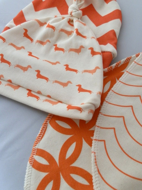Hip Baby Gift Set, Knotted Baby Hats and Bibs Set, Organic Cotton in Oranges and Corals
