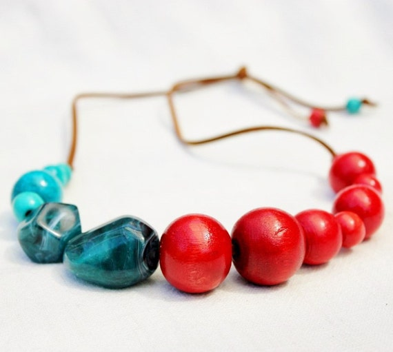 Red and turquoise chunky bead neckace, Venus