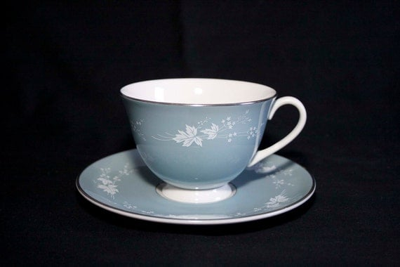 "6 Royal Doulton ""Reflection"" bone china Teacups & Saucers"