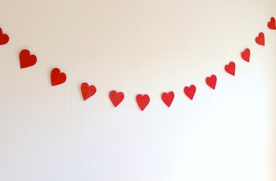 Red Hearts Felt Garland (5.5ft) - Party Decoration, Wedding Reception decoration, Photo Booth Props (Handmade)
