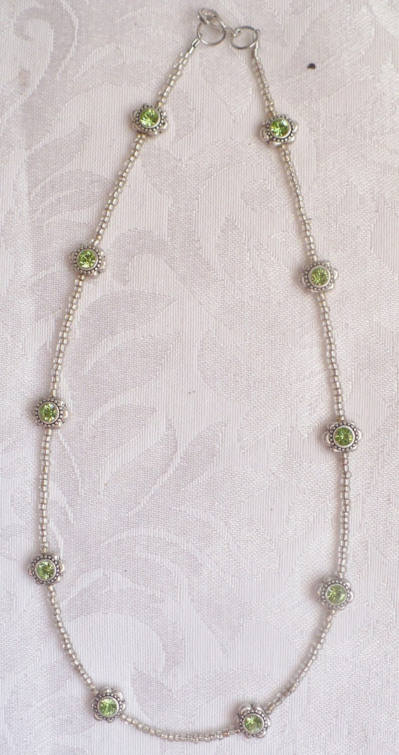 Green and Silver Flower Necklace