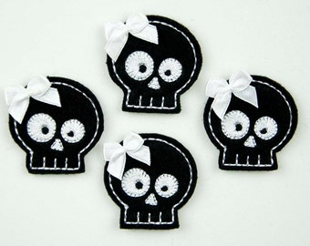 SKULL - Embroidered Felt Embellishments / Appliques - Black & White  (Qnty of 4) SCF3070