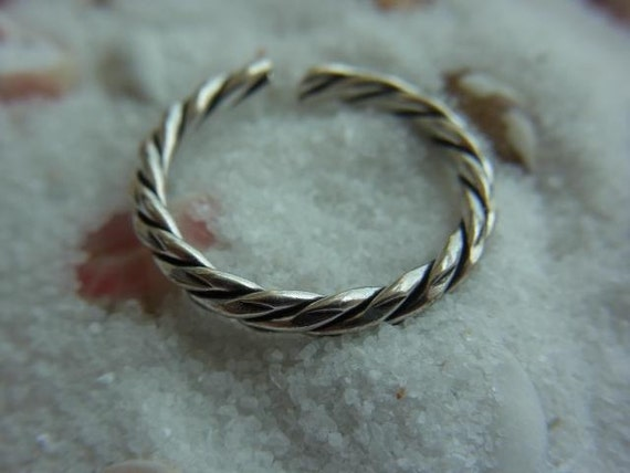 Twine Sterling silver toe ring