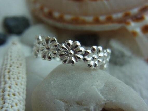 Shiny Flower pattern Sterling silver toe ring