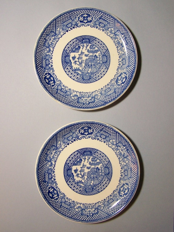 A Pair of  Small Vintage BLUE & WHITE Plates - Traditional Asian Willow Type Pattern