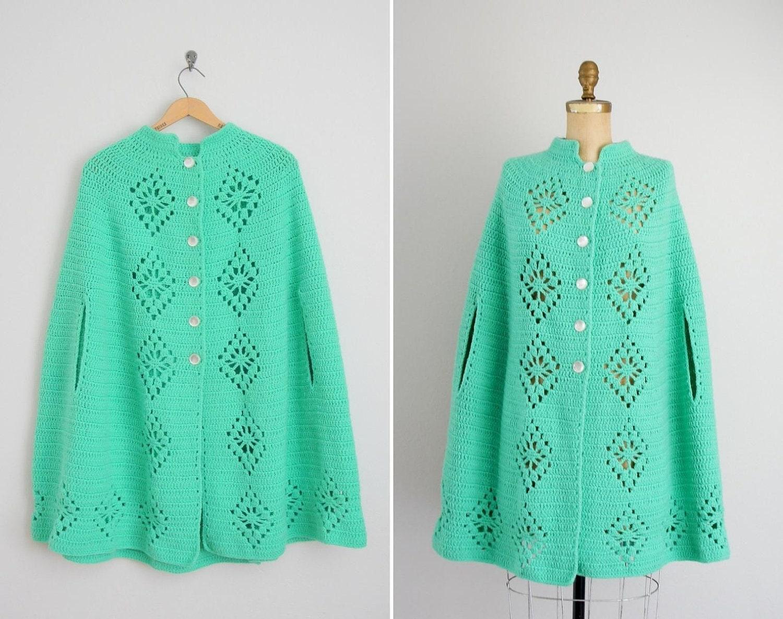 vintage 1960s crocheted cape 60s cape fresh spearmint. Black Bedroom Furniture Sets. Home Design Ideas