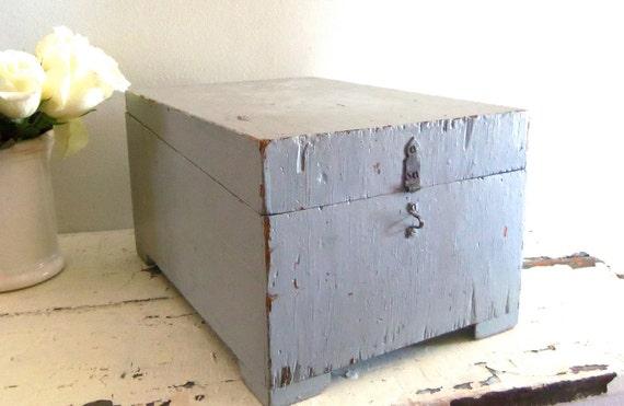 Vintage Chippy Shabby Chic Wood Box