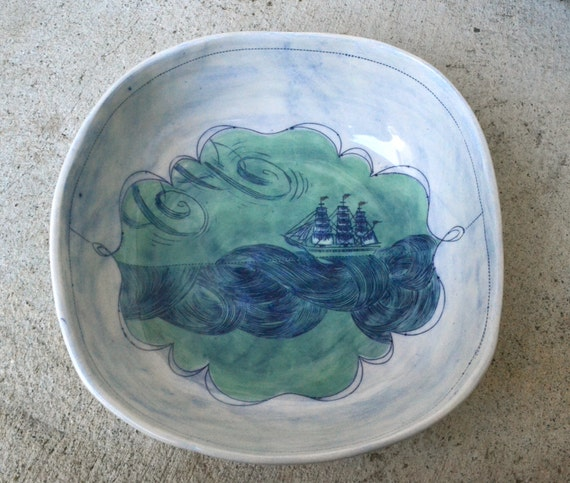 The Ship on the Sea serving bowl