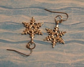 Pierced Earrings Silver Metal Filigree Snowflakes Frozen