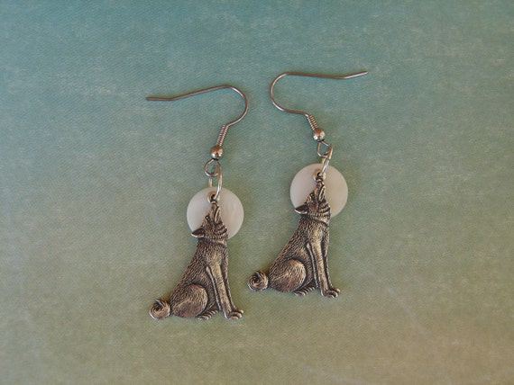 Pierced Earrings Howling at the Moon