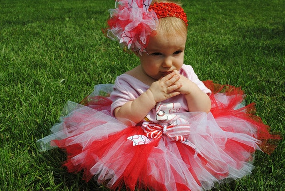 Sports Team Girls tutu with ribbon and matching hair bow.  U choose team and colors