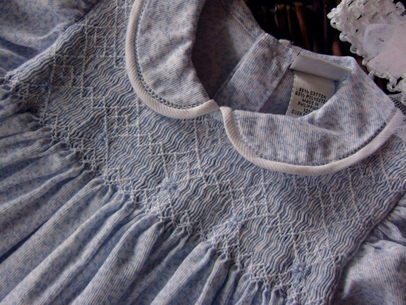 Vintage Summer Baby Girl Gorgeous Baby Blue and White Smocked Dress Size 12 months plus Headband