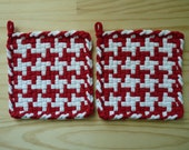 Red and White Vintage Pinwheel Pattern Woven Cotton Loop Loom Potholders Pot Holder Modern Farm Farmhouse Loft Kitchen