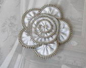 Zipper Flower Brooch White, Zipper Pin. size  Approx 2,6 in/ 6,5 cm-eco friendly,recycled jewelry