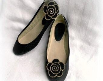zipper flower shoe clip, zipper flower, black flower shoe clips, size approx 2,6 in/ 6,5 cm.- recycled jewelry