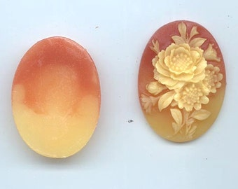 Two unbelievably beautiful vintage lucite cabochons - auburn and vintage pale yellow