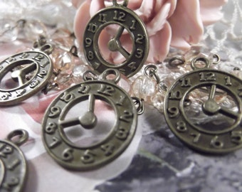 Antique Bronze Clock Charms ---- 5 Pieces --- CHM - 064