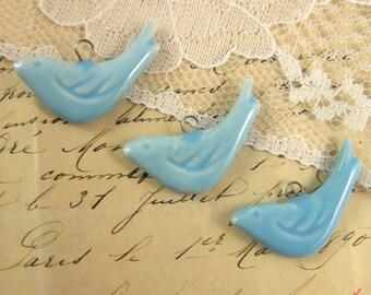 4 - Bird Charms, LIGHT BLUE Porcelain, Small Bird, Vintage Jewelry Supplies (P030)
