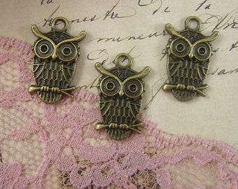 5 Pcs Owl Charms Antique Bronze Owl Charm Small Charm Bird Charm Woodland Charm Owls Charm Vintage Style Pendant  Jewelry Supplies (BB097)