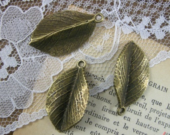 Leaf Charms Antique Bronze Leaf Charm Leaves Charm Woodland Large Charm 3D Charm Vintage Style Pendant Jewelry Supplies (BC122)