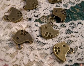 8 - Bird Charms, Antique Bronze, Small Polka Dot Bird, Vintage Jewelry Supplies (BB143)