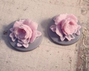 4  Pcs Unique Vintage Lt Pink Flower on Grey Base Cameo Cabochons Lilac Rose (AV034)